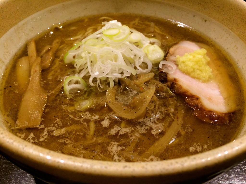 福籠@浅草橋。あっつあつの濃厚味噌スープとよく絡む麺をふぅふぅしながらすする幸せ