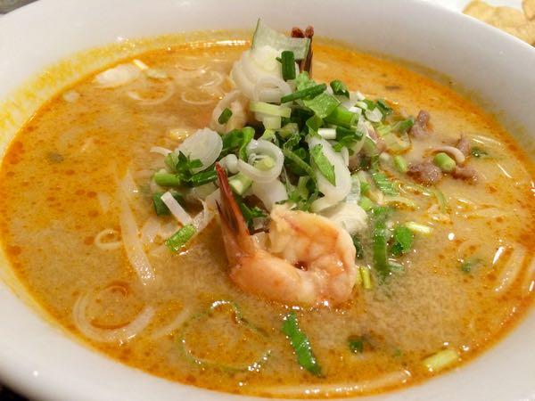 タイ料理にはおなじみのトムヤムラーメン