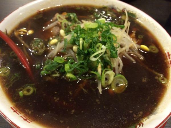 まっくろくろすけのスープ。麺が見えませんっ!