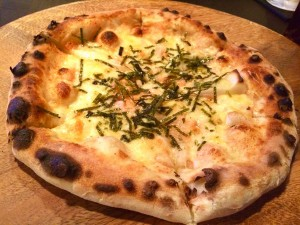 88ピザ部・明太もちピザ1