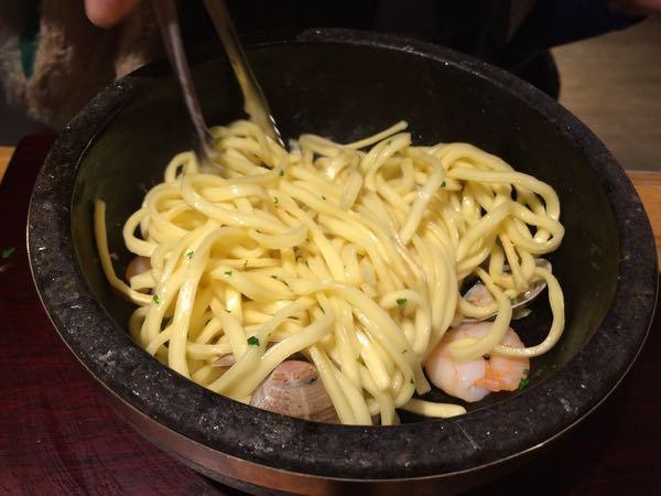 kiteretsu食堂・トマトのパスタ魔法の泡チーズ2