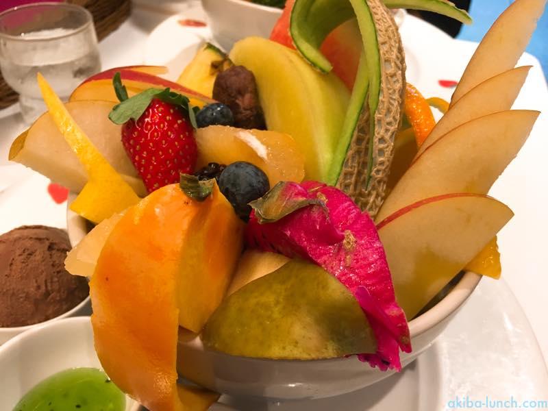 ほぼ食べ放題!果実園のデカ盛りフルーツ丼をお腹いっぱい食べてきたよ!【番外編】